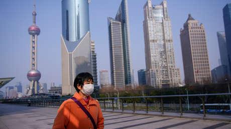 """China afirma que """"necesita urgentemente"""" máscaras médicas para combatir el brote de coronavirus"""