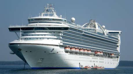 Un crucero interrumpe su viaje por el Caribe al sentirse mal cientos de pasajeros