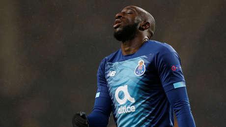 Futbolista negro abandona la cancha en medio del partido debido a insultos racistas en Portugal (VIDEO)