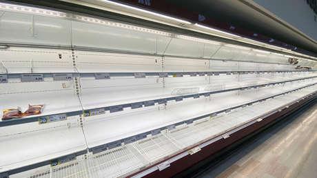VIDEO, FOTOS: Muestran los estantes vacíos en supermercados italianos mientras el coronavirus sigue propagándose por el país
