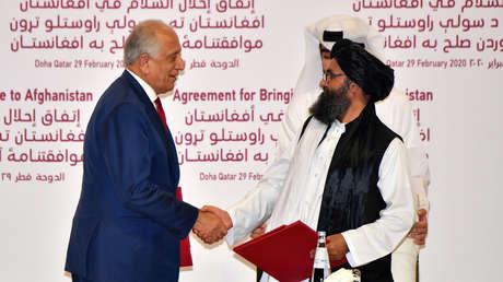 EE.UU. y los talibanes firman un acuerdo para poner fin a los 18 años de guerra en Afganistán, que prevé la retirada de las tropas de la OTAN
