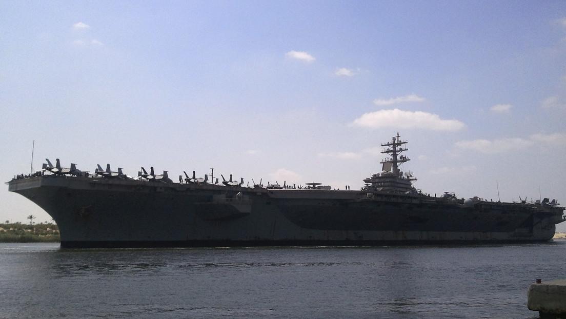 Un grupo de ataque con un portaviones de EE.UU. entra en el Mediterráneo