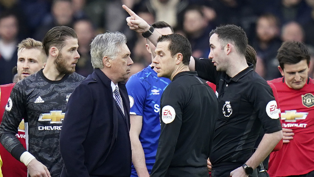VIDEO: Expulsan al entrenador Carlo Ancelotti por discutir con el árbitro después de un partido de la Premier League