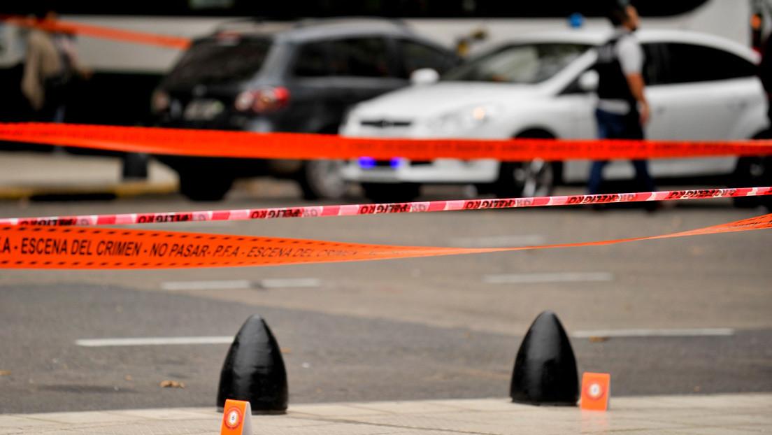 Estremecedor femicidio en Argentina: quema el cuerpo de una joven en una parrilla, se deshace de los restos y luego se entrega a las autoridades