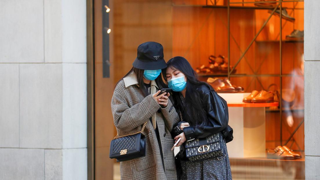 ¿Cuánto tiempo puede sobrevivir el coronavirus en la pantalla de un teléfono móvil?