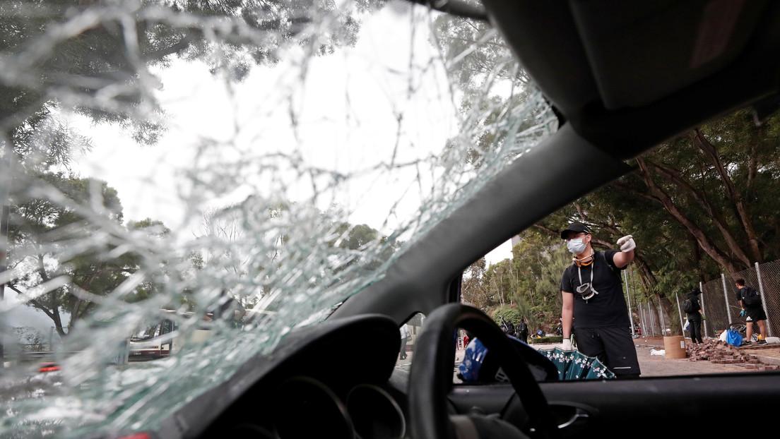 VIDEO: Vuelca su coche a un río pocos minutos después de aprobar el examen de conducción