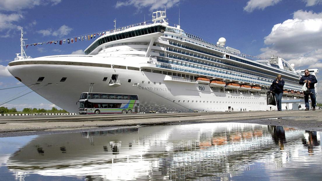 Bloquean un crucero con más de tres mil personas a bordo en la costa de California con 21 posibles casos de coronavirus