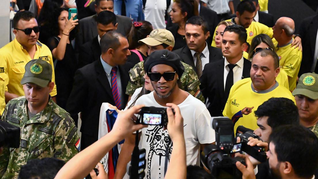 """Fiscalía paraguaya dice que Ronaldinho será sometido a la Justicia """"el tiempo que sea necesario"""""""