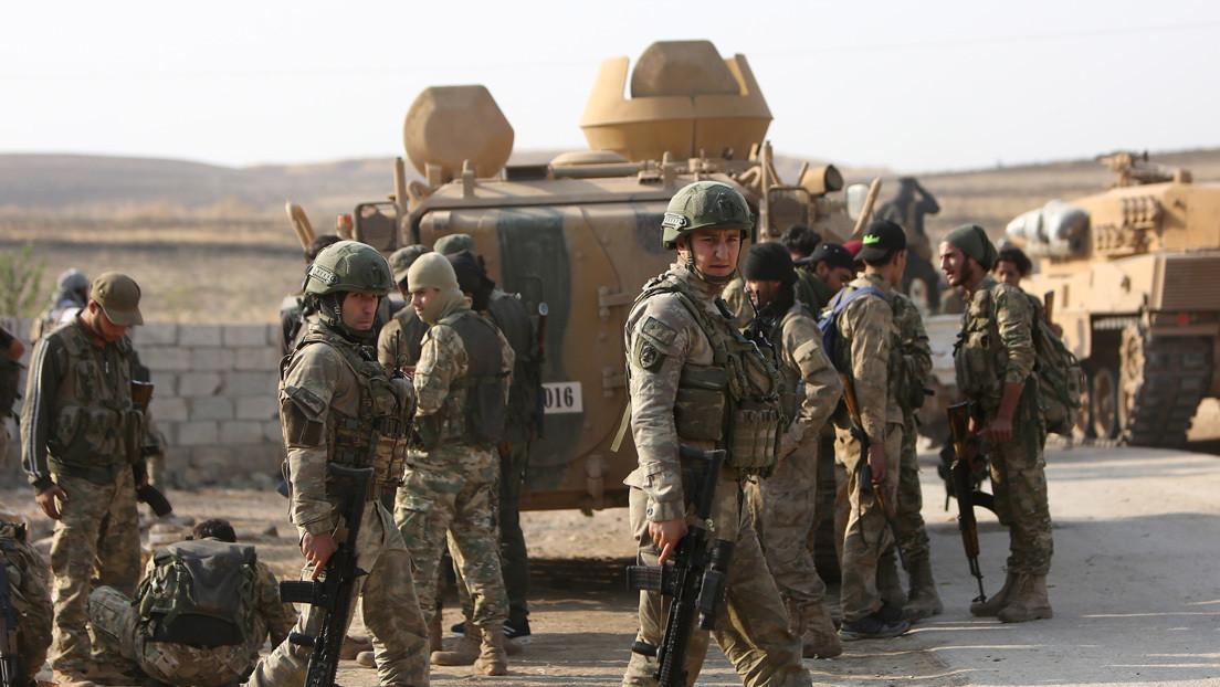 Al Assad: Si los estadounidenses y los turcos no dejan Siria tras las negociaciones, usaremos la fuerza