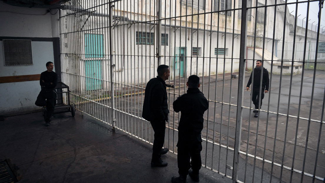 """¿Para qué sirve la cárcel?: Lo que nadie se pregunta en Argentina ante la """"liberación"""" de presos por la pandemia"""