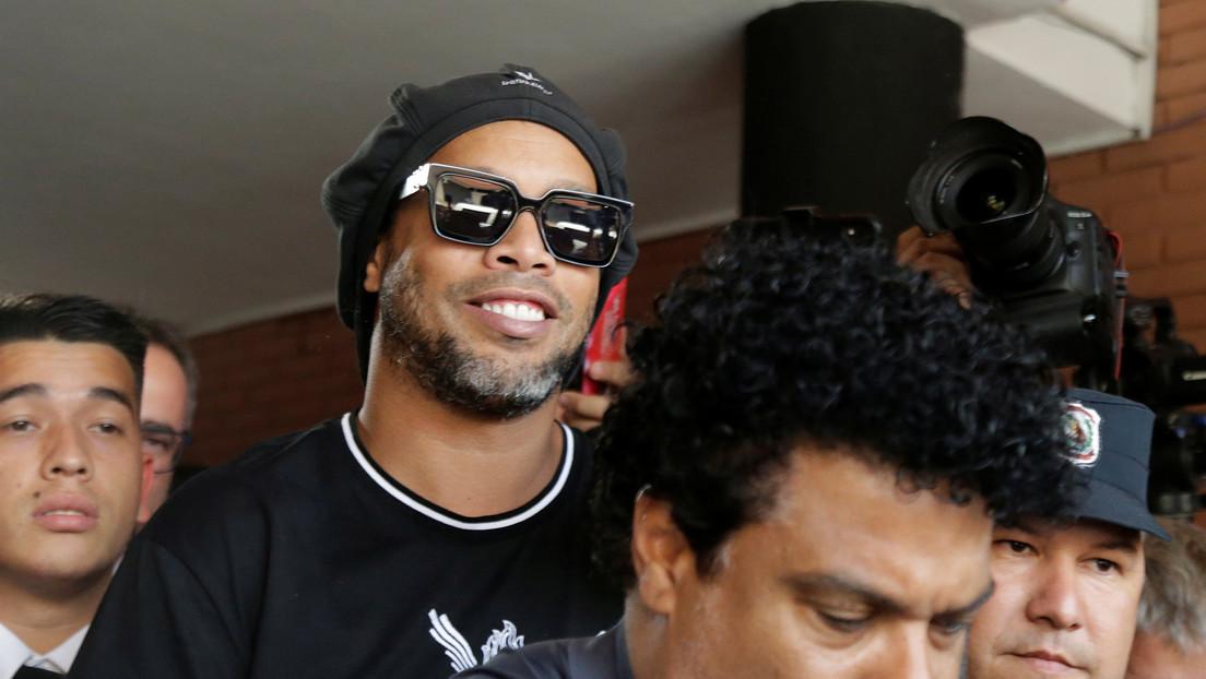 La detención de Ronaldinho en Paraguay con un pasaporte falso provoca una avalancha de memes
