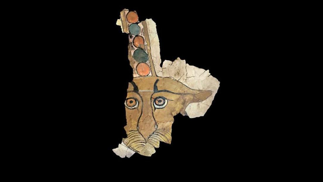Reconstruyen una pintura con el rostro de un leopardo de un sarcófago egipcio de hace 2.000 años