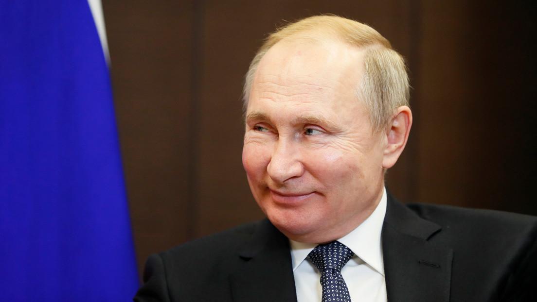 Una joven rusa le pide a Putin que se case con ella (VIDEO)