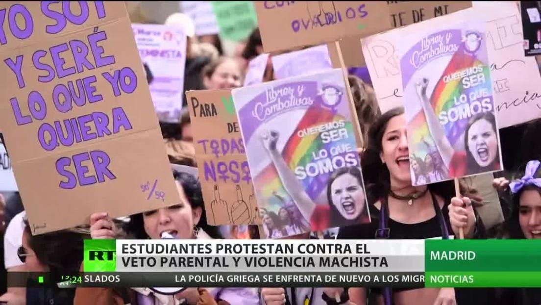 Estudiantes protestan contra el veto parental y la violencia machista en España