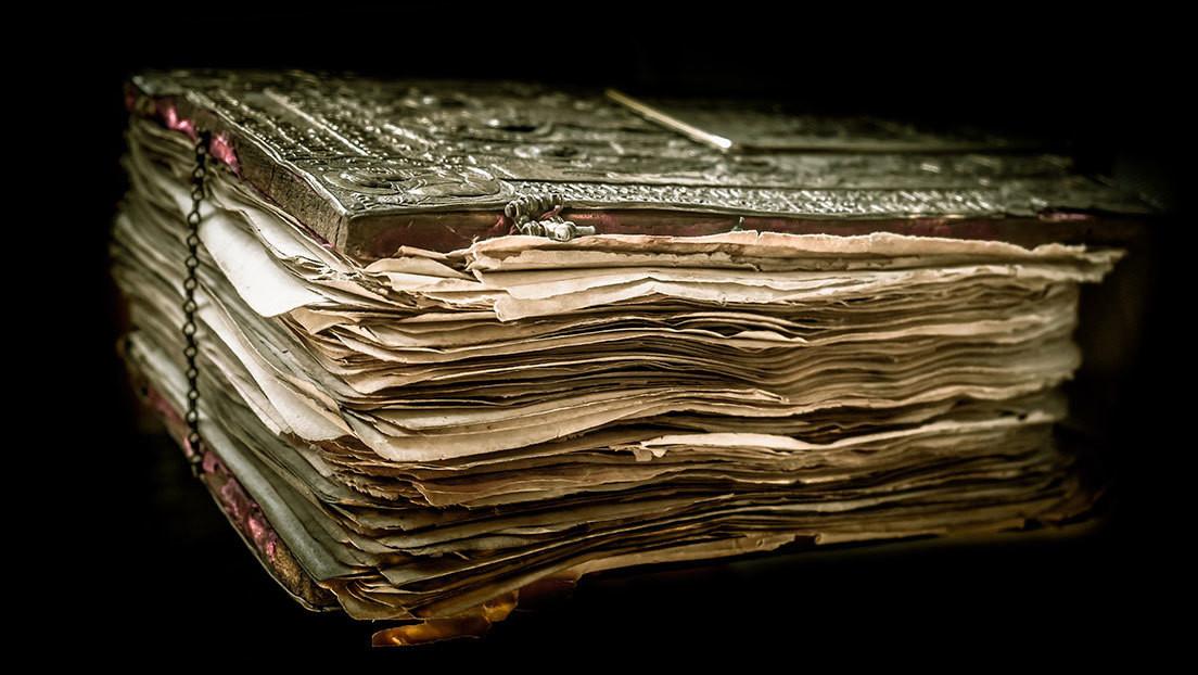 """Encontré el Santo Grial"": Hallan en Francia un raro manuscrito de la obra cumbre de Isaac Newton"