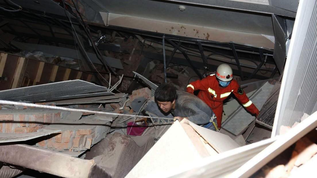 VIDEOS, FOTOS: Se derrumba en China un hotel usado para la cuarentena del coronavirus
