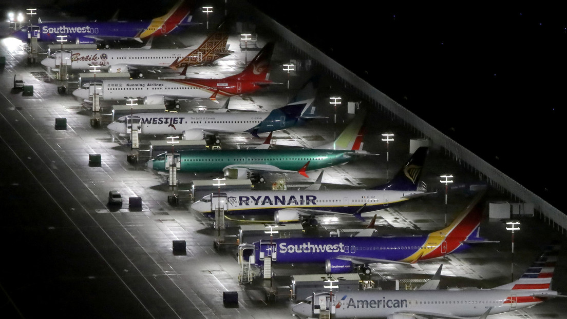 """""""Defectuoso e inseguro"""": Un informe del Congreso de EE.UU. describe fallos que llevaron a los siniestros del Boeing 737 MAX"""