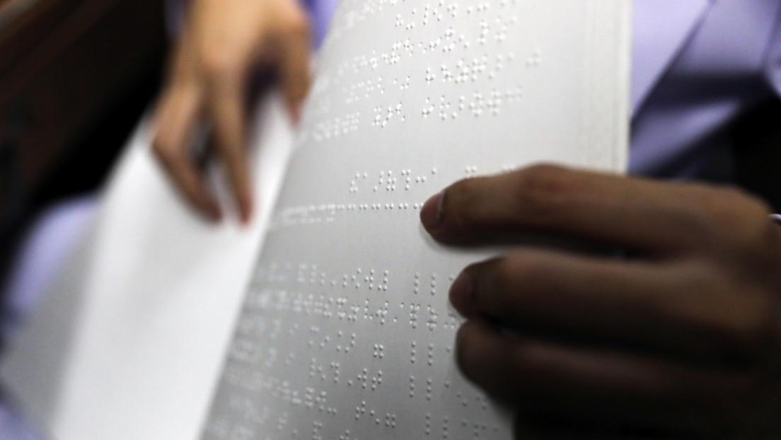 """EE.UU. niega la ciudadanía a un ciego porque """"no pudo leer una oración en inglés"""""""