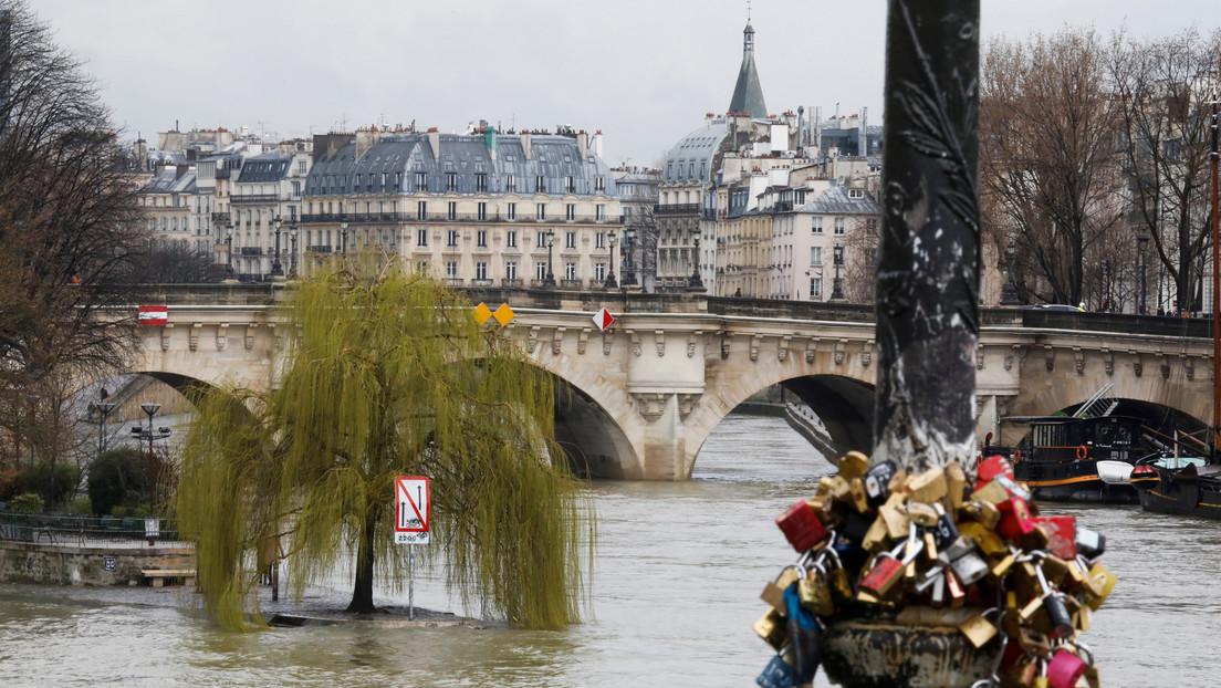 Se desborda el río Sena en París (VIDEOS)