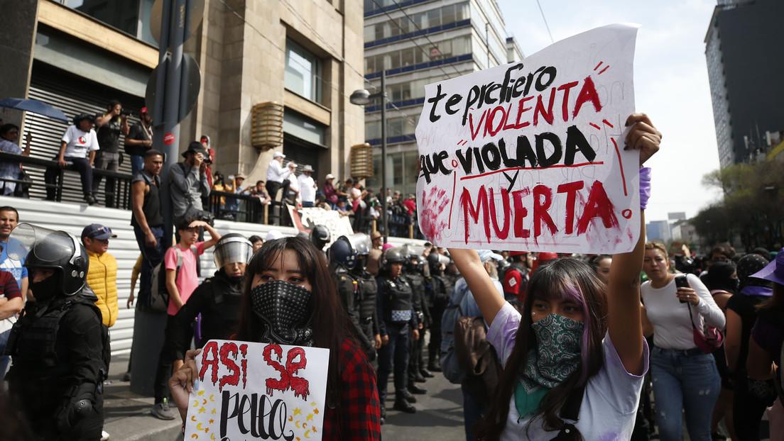 VIDEO: La marcha en México por el Día Internacional de la Mujer deriva en choques con la Policía
