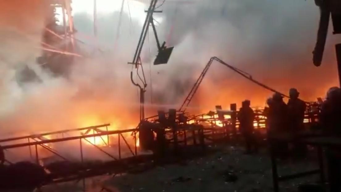 VIDEO, FOTOS: Se incendia un depósito del Consejo Nacional Electoral de Venezuela