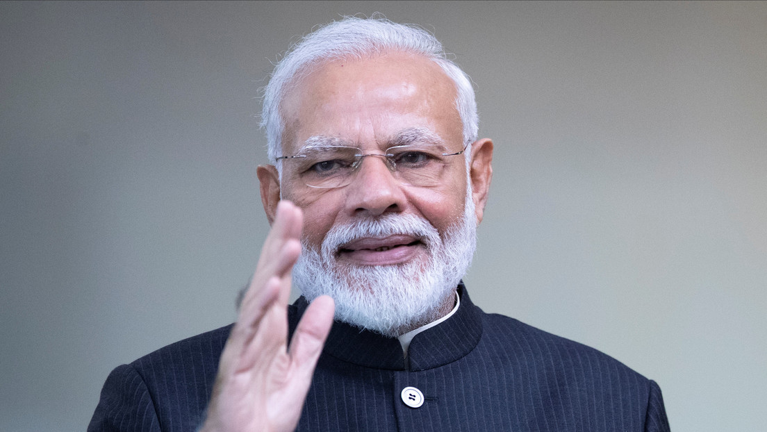 El primer ministro indio cede su cuenta de Twitter a siete mujeres por un día thumbnail