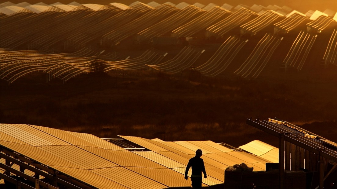FOTOS: La estación solar más grande de Europa, vista desde la órbita