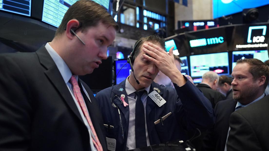 Wall Street cierra en rojo y el Dow Jones marca la mayor pérdida durante un día desde el 2008
