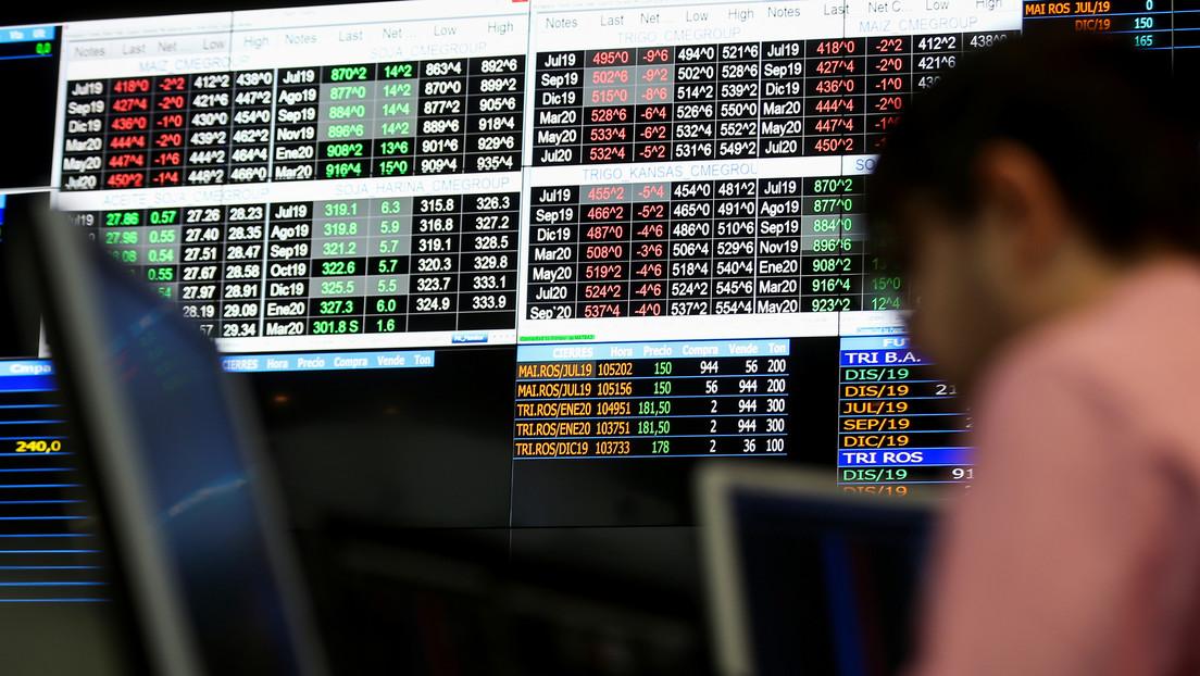 La bolsa de Argentina cae 13,75 % en la jornada del 'lunes negro'