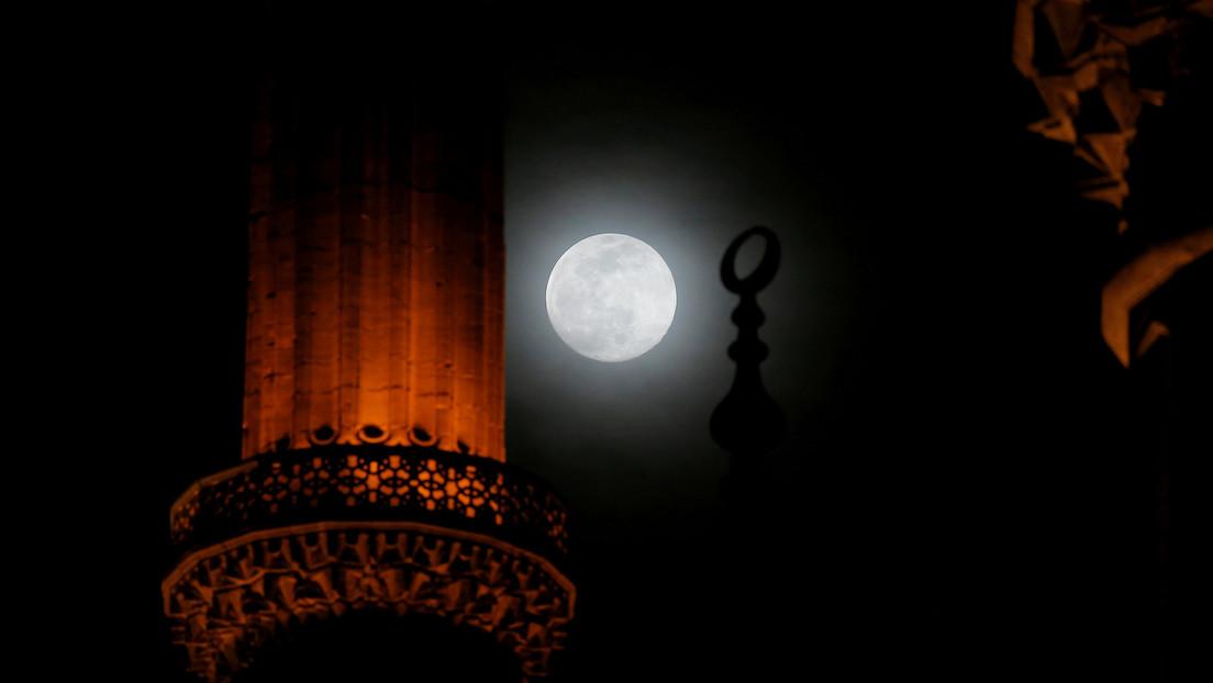 La primera superluna del año: cómo ver la superluna de gusano que iluminará el cielo nocturno este lunes