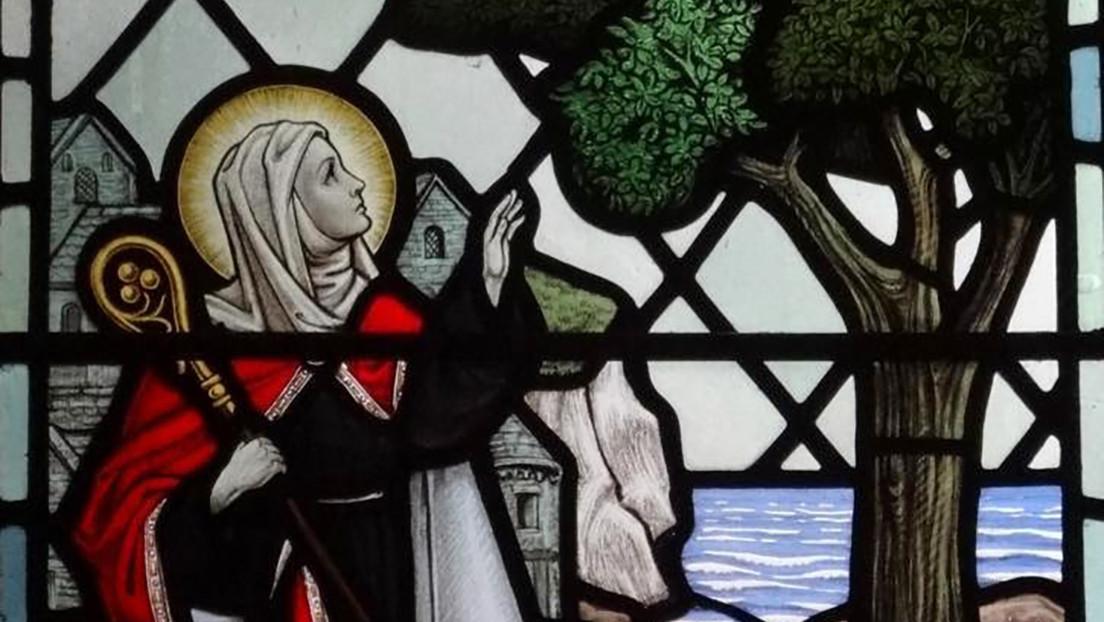 Identifican los restos de una princesa santa de más de 1.300 años que podría ser familiar de Isabel II