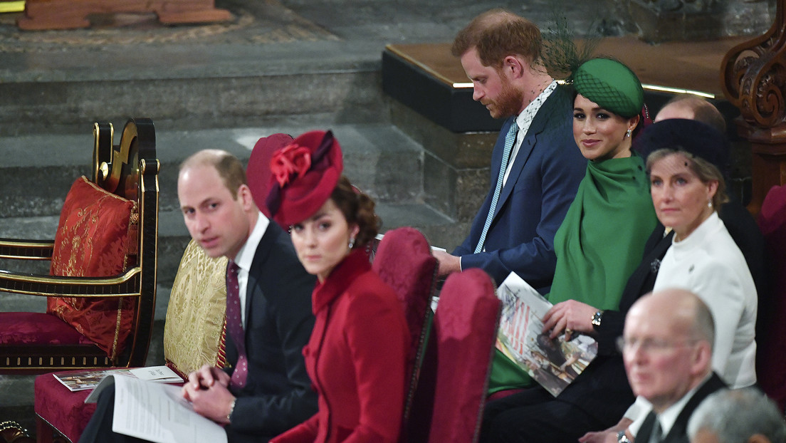 La razón por la que el príncipe Enrique y Meghan Markle se habrían molestado durante su último acto oficial antes de renunciar a la realeza