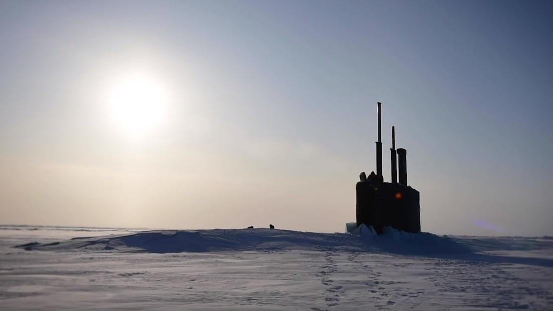 VIDEO: Un submarino nuclear estadounidense emerge rompiendo el hielo en el Ártico
