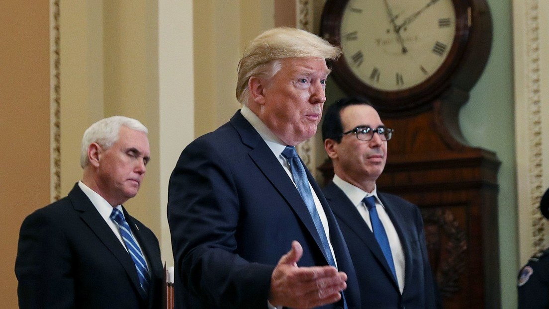 """Trump a los estadounidenses: """"Mantengan la calma, el coronavirus se irá"""""""