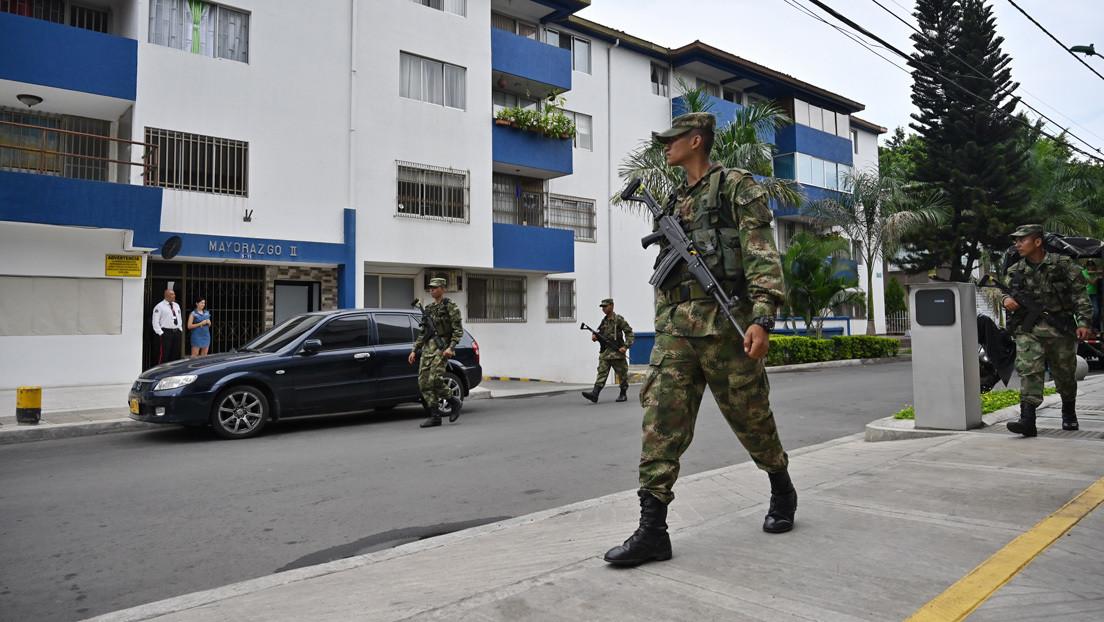 """""""Fue un desacierto"""": Ejército de Colombia ofrece disculpas por haber incluido a periodistas y políticos en una lista de Twitter llamada 'Oposición'"""