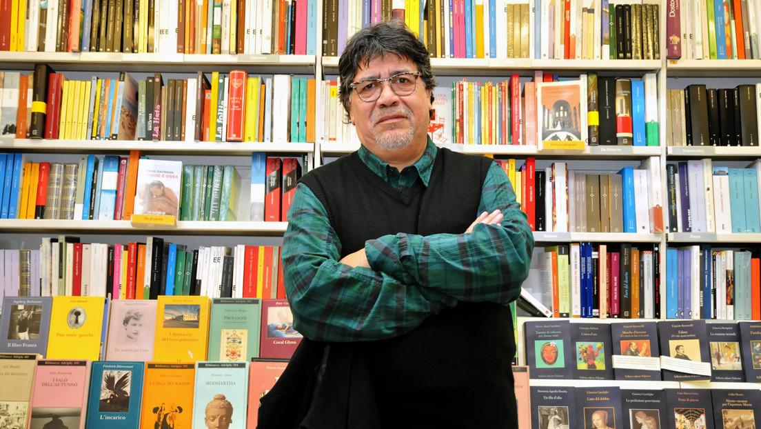 El escritor chileno Luis Sepúlveda está en coma con respiración asistida por el coronavirus
