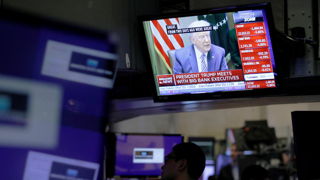 La suspensión de viajes desde Europa a EE.UU. anunciada por Trump provoca la caída de Wall Street