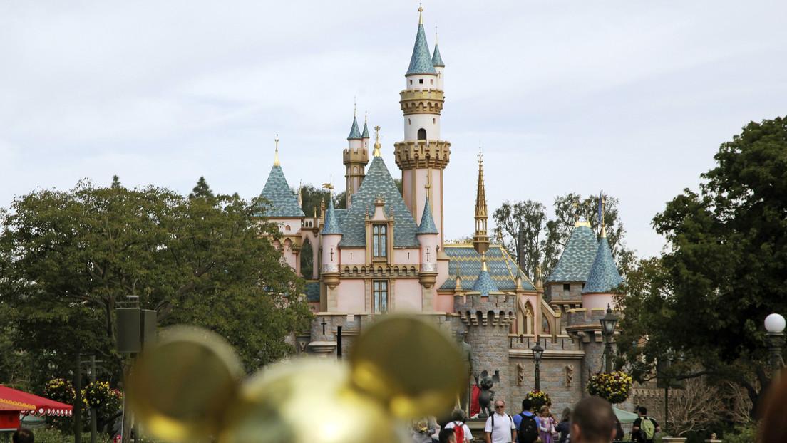 Cierran tres parques más de Disney por el brote de coronavirus