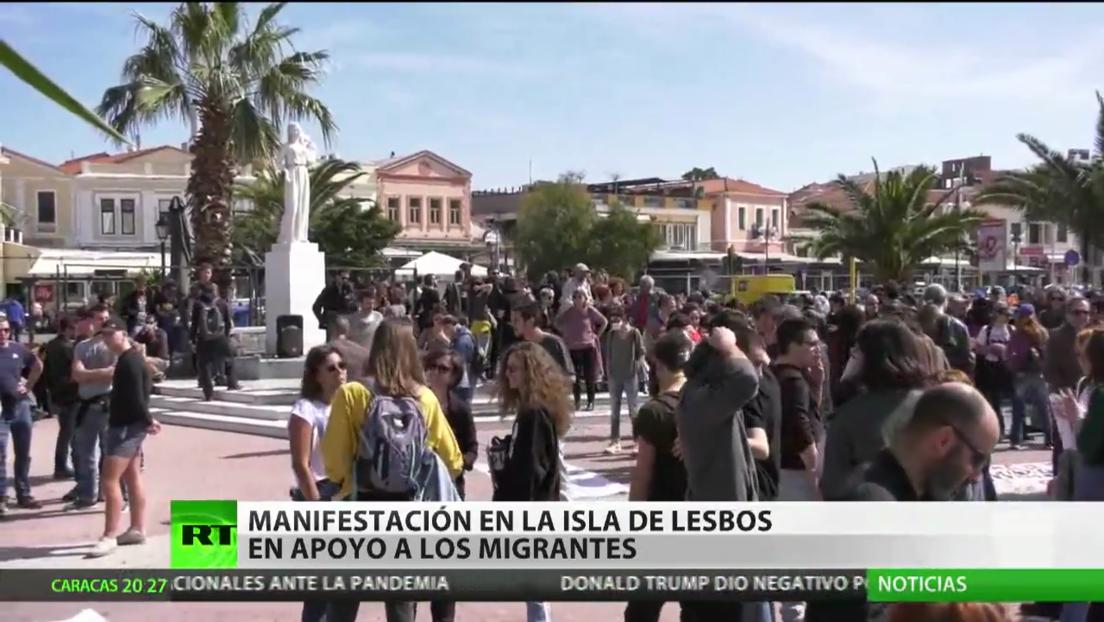 Grecia: Manifestación en la isla de Lesbos en apoyo a los refugiados
