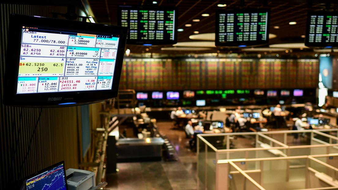 El riesgo país de Argentina sube un 9 % y la Bolsa de Buenos Aires se desploma un 10 %