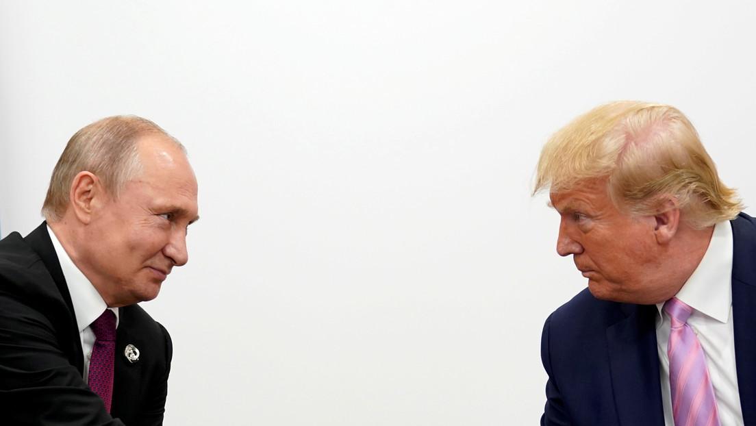 Ponen a la venta una pelota de béisbol autografiada por Putin y Trump (y el precio vuela más alto que la bola)