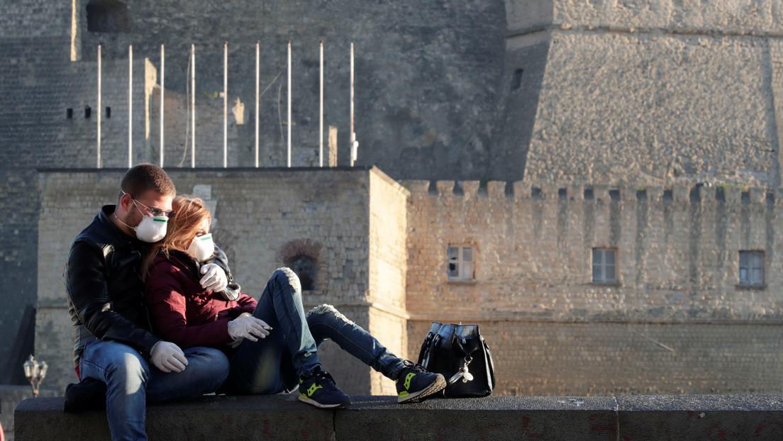 Un hombre contrae coronavirus en un viaje secreto a Italia con su amante y ahora está aislado con su esposa