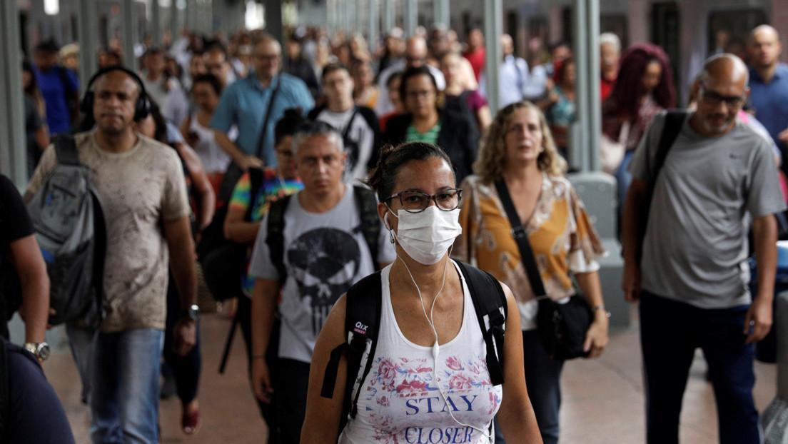 Brasil reabre las puertas a los médicos cubanos para hacer frente al coronavirus