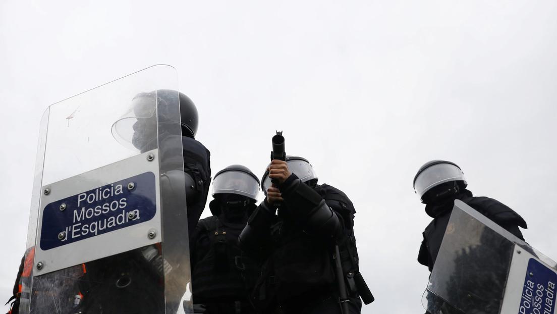 La Policía detiene un auto por violar el estado de alarma en España y descubre a tres traficantes de droga