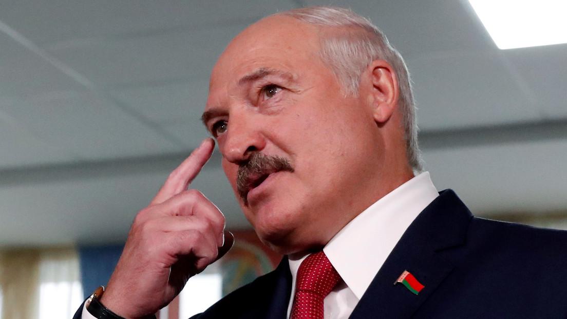 """""""Sauna y vodka"""": la 'receta' del presidente de Bielorrusia para combatir el coronavirus"""
