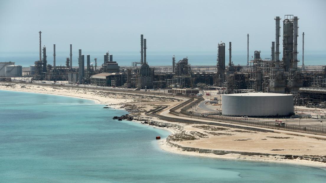 Senadores de EE.UU. instan a introducir un embargo petrolero sobre Arabia Saudita y Rusia