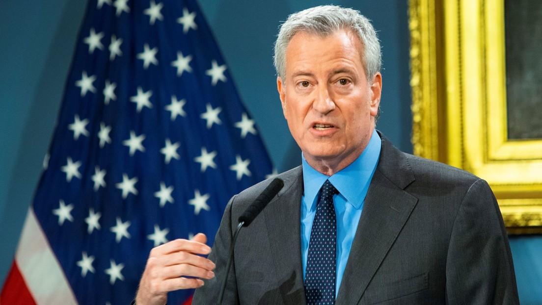 El alcalde de Nueva York pide a Trump que movilice al Ejército para hacer frente al coronavirus