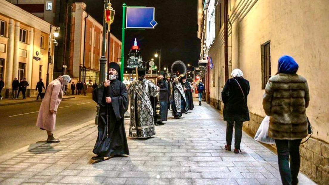 Convento ortodoxo en Moscú organiza procesiones para combatir la pandemia de coronavirus