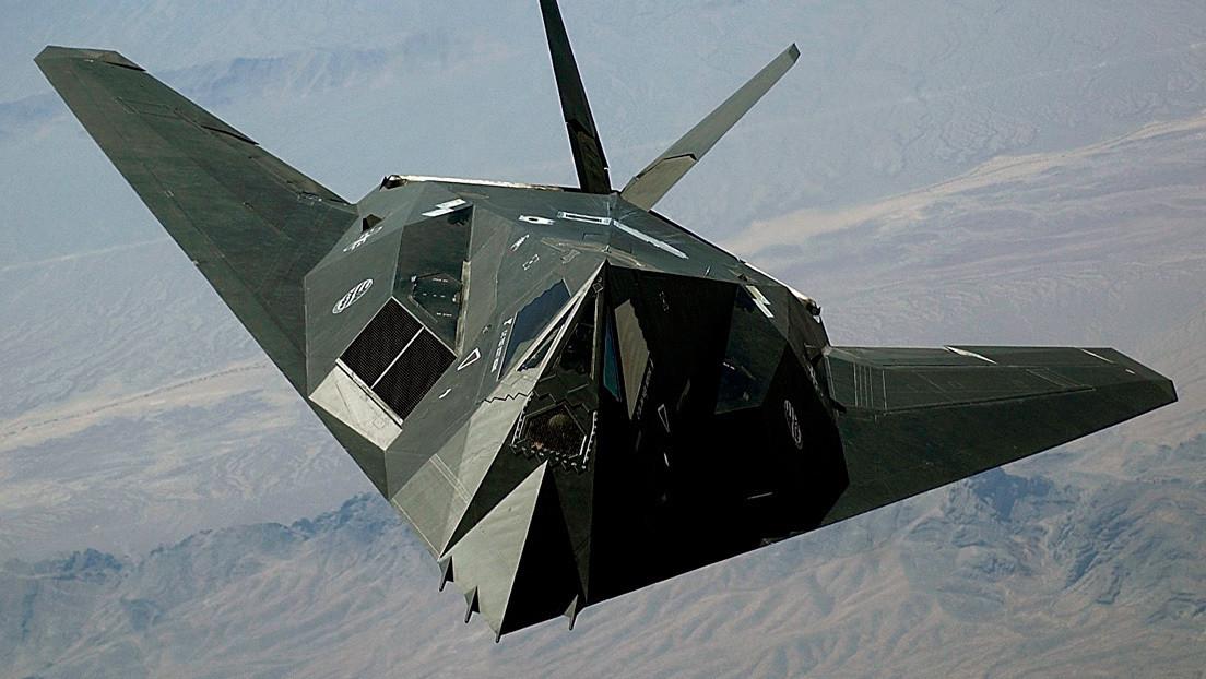FOTOS: Avistan el retirado avión furtivo Lockheed F-117 Nighthawk en el cielo de California
