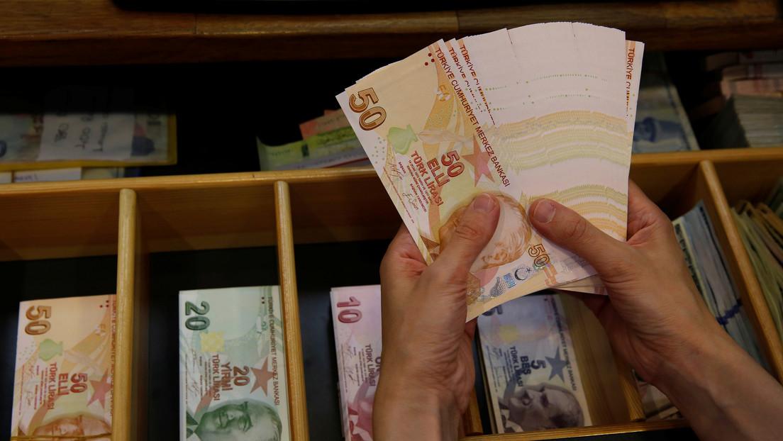 Una empresa de Turquía desarrolla un cajero automático que desinfecta el dinero hasta del covid-19